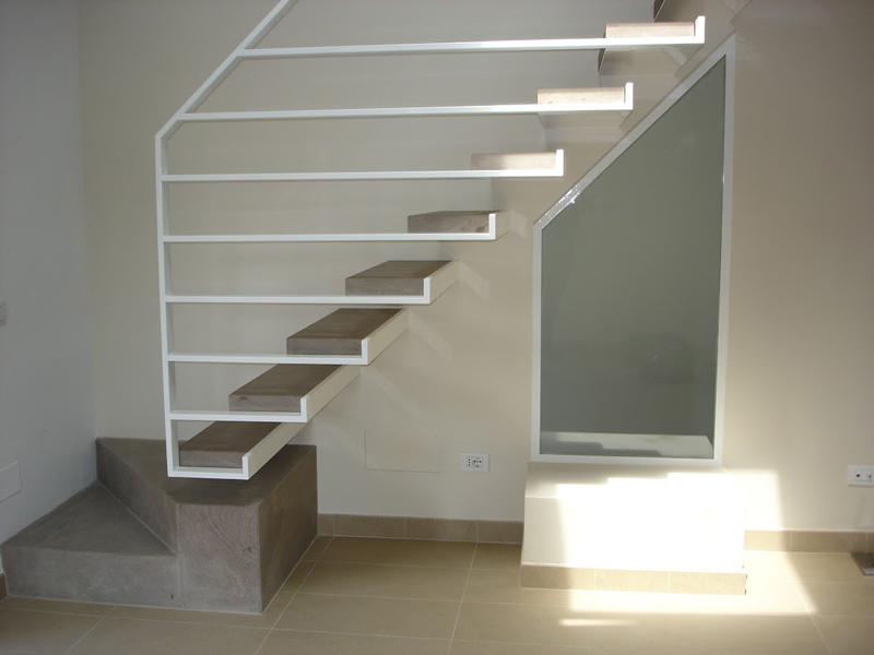 Amato Produzione vendita Scale metallo a Roma JI22