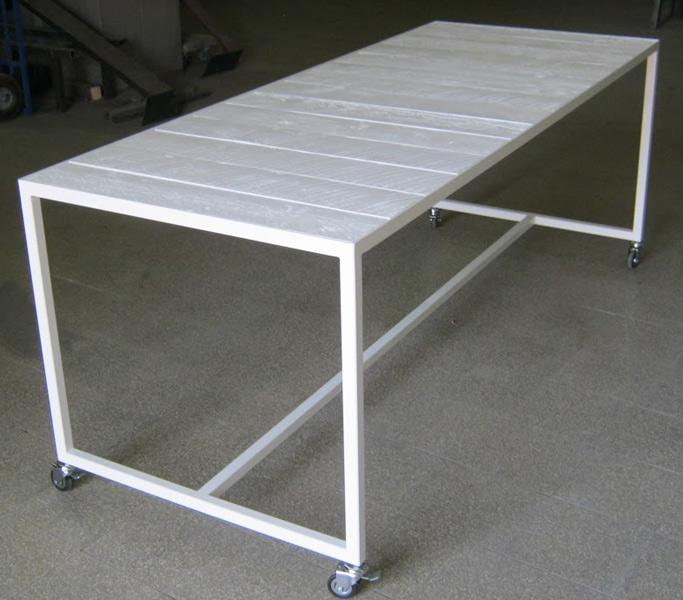 Produzione vendita Tavoli metallo a Roma