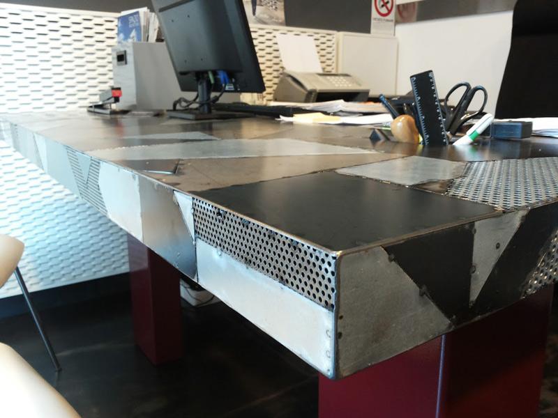 Scrivania Ufficio In Metallo : Produzione vendita tavoli metallo a roma