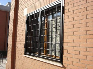 Grate in ferro su misura per abitazione privata a Roma