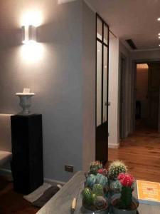 Vetrina divisoria appartamento privato Roma